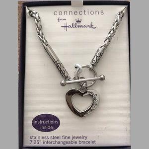 📍New Listing - Hallmark Starter Charm Bracelet